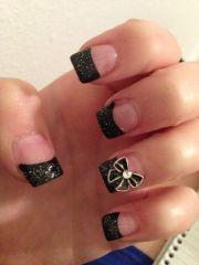 nail black acrylic nails and bows