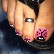 lady bug toe nails and pink sparkles