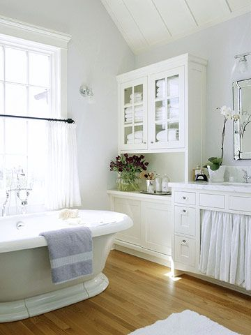 Built in Hutch for you bathroom! Love this idea! #bathroom #cabinets: