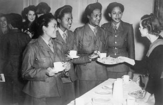 61c39c63ef5f9aa20d5023f64e5591f6 20 Patriotic Pictures of Black Women in the Military
