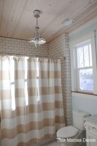 trim: Benjamin Moore Simply White ceiling stain: Old ...