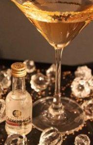 Academy Award Martini: 3oz Apple Juice + 1 1/2 oz Buttershots + splash Goldschlager // shake w/ice: