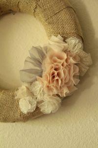 Shabby Chic Wreath - burlap and fabric flowers | DIY ...
