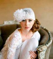 bride's side bun with flapper gatsby