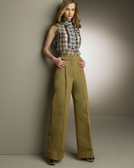 1920s Fashion Modern Wide Legged Trousers with Sleeveless High Necked Ruffled Blouse