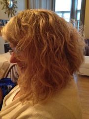 bobs hair and 'jays