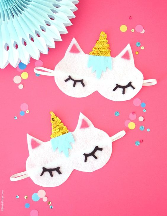 The Ultimate Pinterest Party, Week 149 No-Sew DIY Unicorn Sleeping Masks with Free Template - learn to craft these cute, easy party favors or gifts for your guests unicorn birthday party! by BirdsParty.com @BirdsParty: