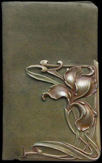 www.facebook.com/cakecoachonline - sharing.....Art Nouveau ~ Iris Wallet: