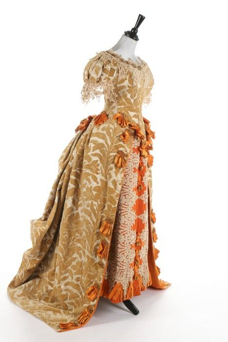 Worth ball gown, 1885-88From Kerry Taylor Auctions: