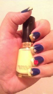 blue and yellow nails with diamond