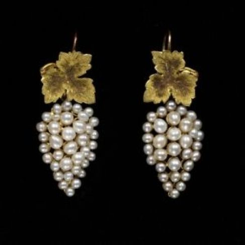 Earrings ca. 1850 via The Victoria & Albert Museum - what a beautiful example of balance and elgance!: