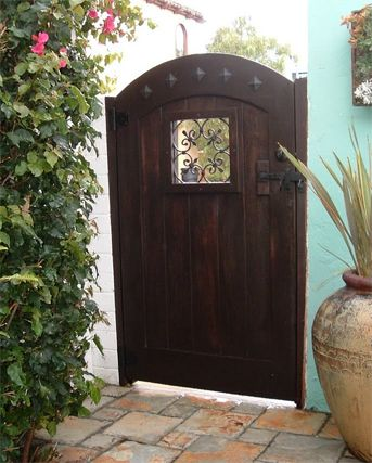 Create the Best Wood Fence Gate for Your Home and Yard