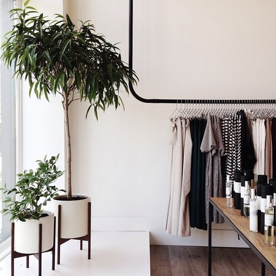 03. 495 Selby Avenue / St. Paul MN. Cathedral Hill is one of my favorite historic neighborhoods. @shopidun is the newest addition to the blo...: