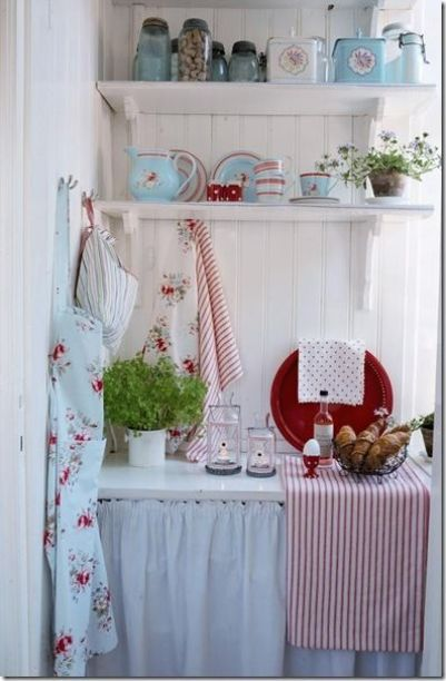 Lovely combination of eggshell white, pale blue, and muted red. Enough country without being too saccharinely cute. Simple enough without being lacking in function. Every item in this corner you can do by yourself.: