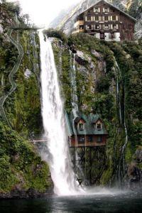 waterfall house | waterfall | Pinterest | Beautiful ...