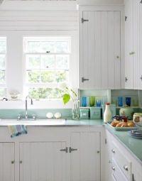 Coastal Style: Shabby Chic Beach Cottage | Kitchens ...