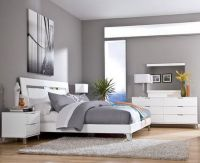 Grey Wall Color Scheme and White Bedding Sets in Modern ...