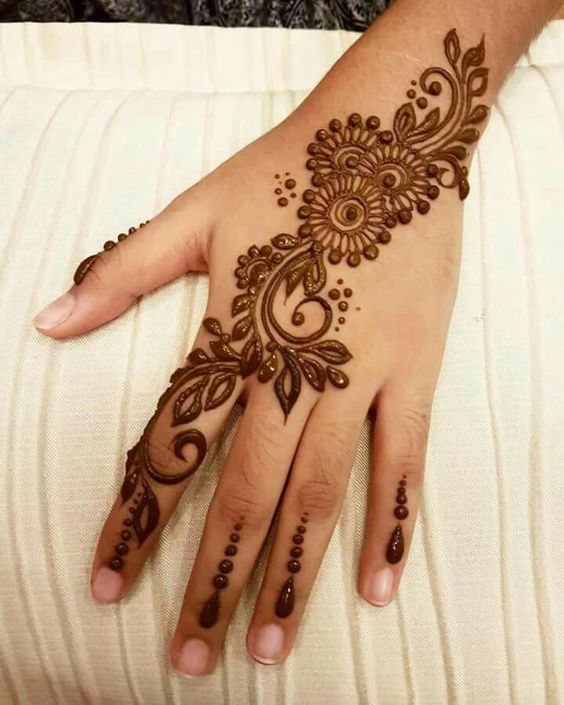 Simple Mehndi Designs Collection By Tips Clear