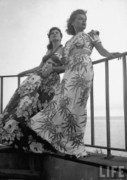1940's summer fashion hawaii tiki