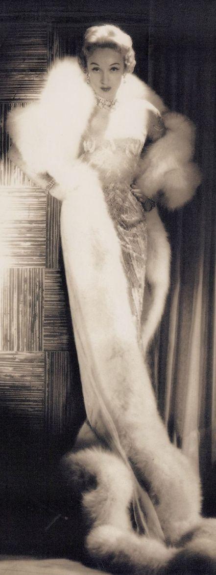 MARLENE DIETRICH in Las Vegas in long white fur. 1950's. Gown by JEAN LOUIS. photo (Detail) (minkshmink):