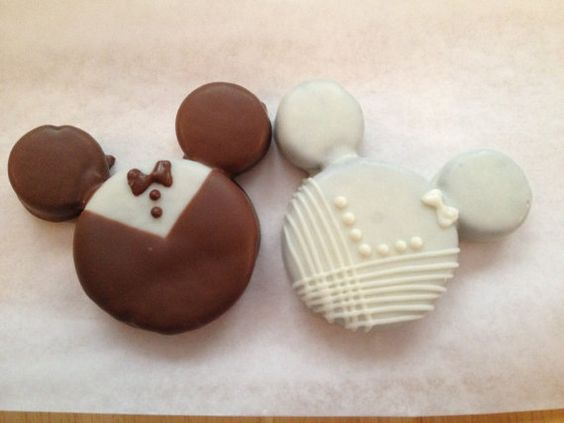 Mickey Mouse And Minnie Mouse Bride And Groom Oreo
