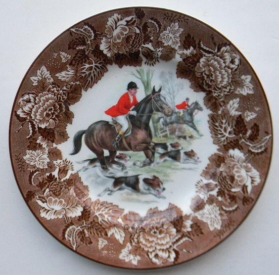 Vintage Brown Transferware English Fox Hunt Scene Plate Dogs