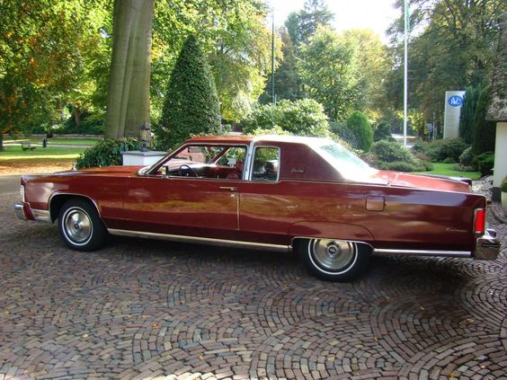 Lincoln Continental Town Coupe 1976 The Material Which I