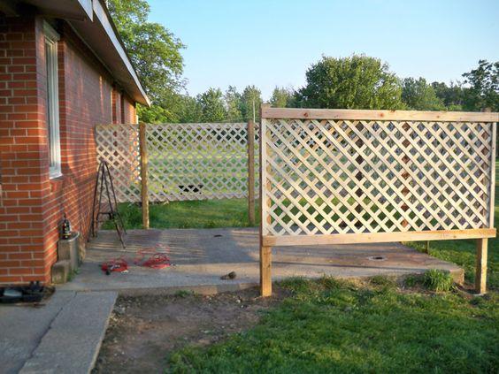 Patio Privacy – DIY Lattice Fence