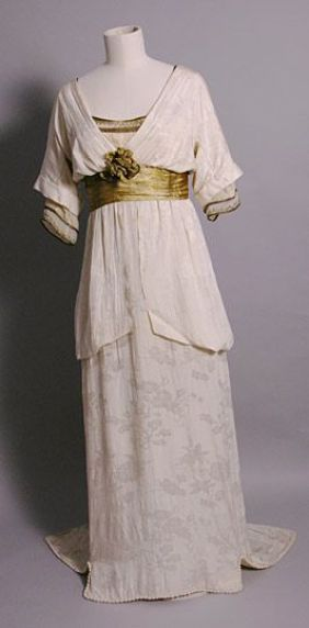 Evening Dress c 1913: