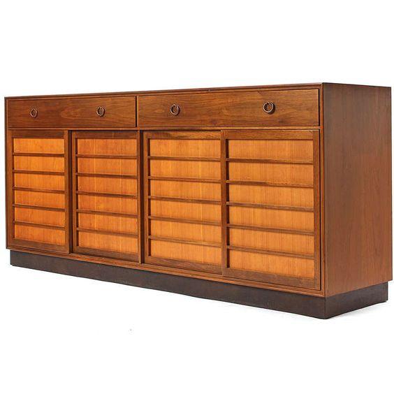 Janus Cabinet.
