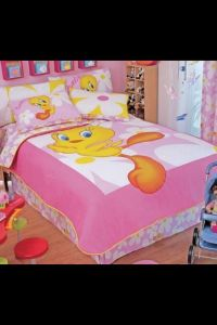 Tweety bedroom... I need this bed set.