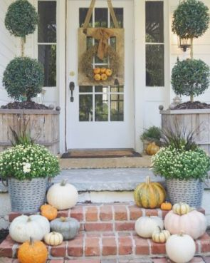 Great colors for a fall front porch: