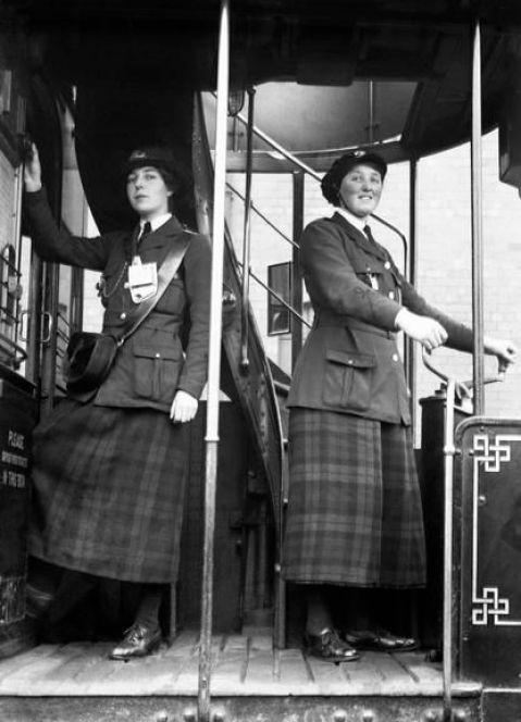 EMPLOYMENT WOMEN BRITAIN 1914-1918 (Q 28389):
