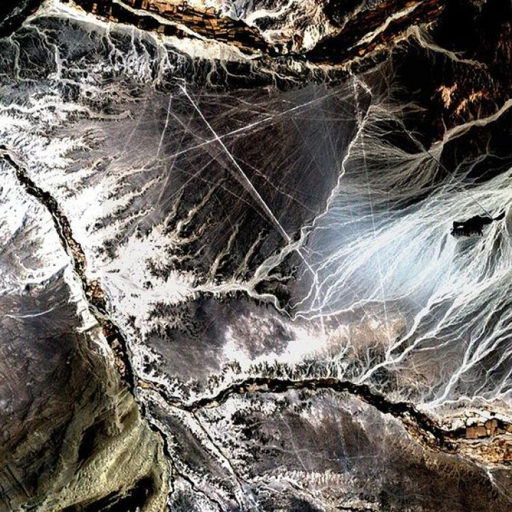 Resultado de imagen para lineas de nazca desde el satelite
