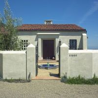 White stucco exterior and walls | For the Home | Pinterest ...