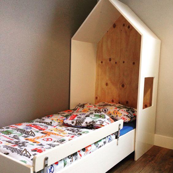 Bedhuisje slaapkamer peuter jongen Bed en bedhuisje zelf