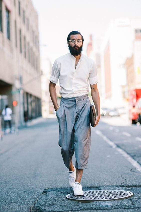 メンズ ワイド パンツ メンズのワイドパンツでは靴や靴下はどうすればいい?ベルトは?