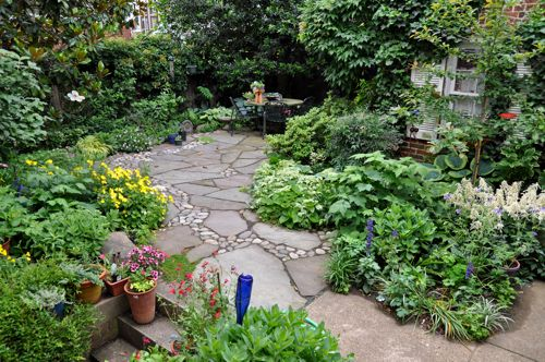 small backyard landscaping ideas