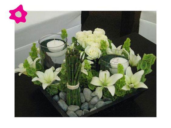 Los centros de mesa para boda minimalistas se caracterizan por ser simples y muy sencillos Pueden estar formados por bases cuadradas de madera o