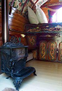 Gypsy Wagon Interiors   Romantic gypsy caravan for couples ...