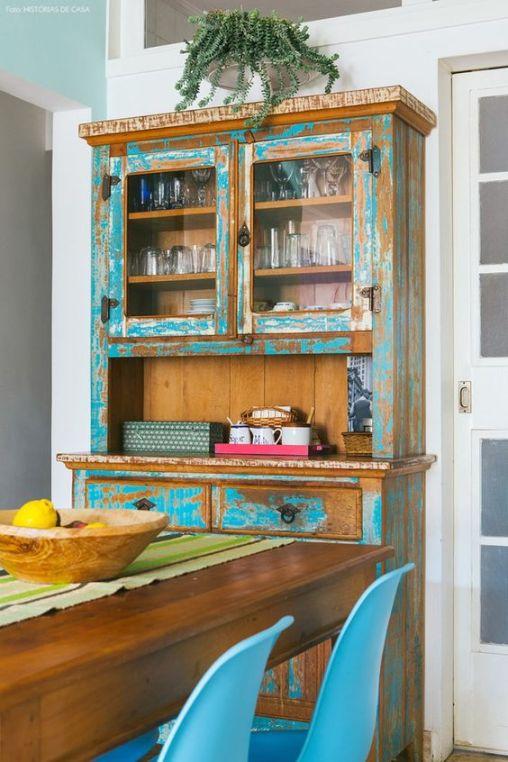 13-decoracao-sala-jantar-cristaleira-madeira-rustica: