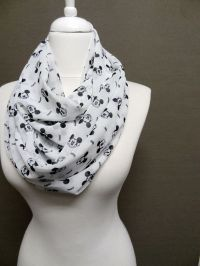 Circle scarf, Disney mickey mouse and Picture show on ...