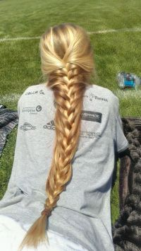 French braid for very long hairs. I love the color   Fairy ...