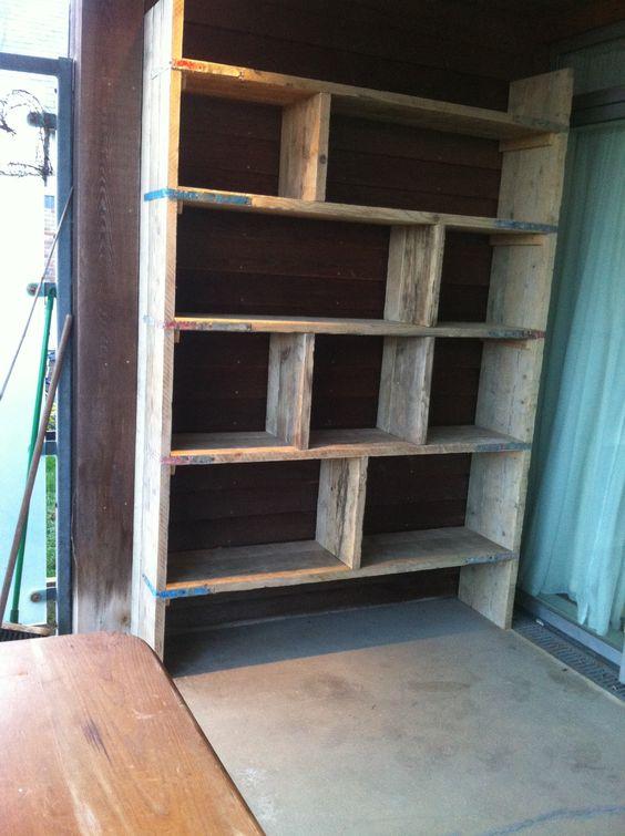 Scaffold book shelf