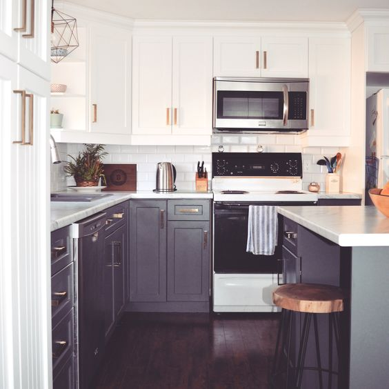 Kitchen Renovation Top Cabinet Colour Pure White