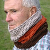 Hunters, Cowl scarf and Crochet cowls on Pinterest