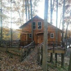 Log Cabin Living Room Decorating Ideas For Studio Apartments In The Mohican Woods Near Loudonville, Ohio