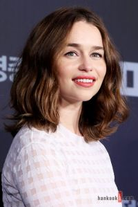 Emilia Clarke Hair Color   your ultimate guide to 2017 s ...