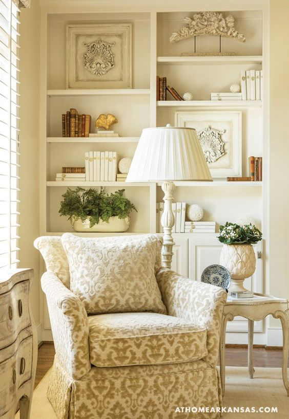 Nooks, White chalk and Traditional living rooms on Pinterest