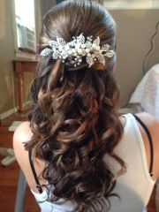 curls and wedding